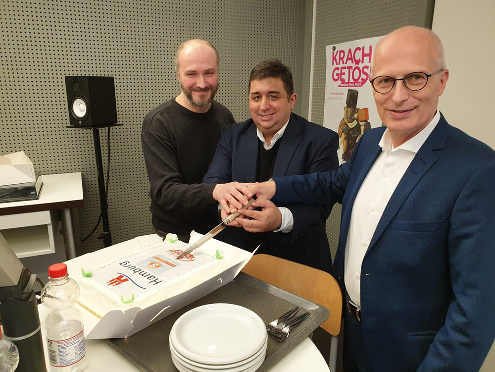 Geburtstagsfeier Seker FM Hamburg mit Korhan Öztürk, Engin Bas und Bürgermeister von Hamburg Herrn Peter Tschentscher