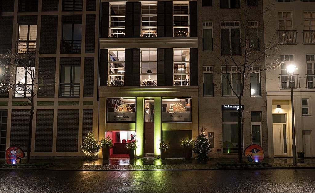 Vernissage Ali Görmez in der Living Bauhaus Kunststiftung
